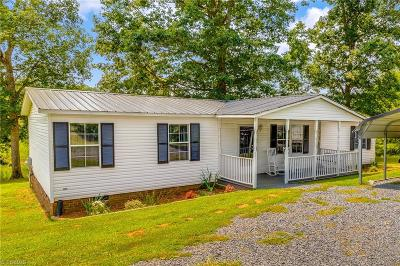 Randleman Manufactured Home For Sale: 1704 Laughlin Road