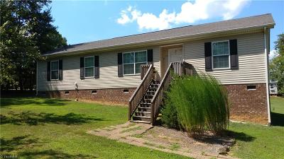 Stoneville Single Family Home For Sale: 211 Settlement Loop
