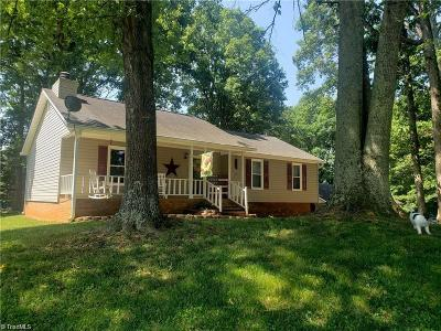 Tobaccoville Single Family Home For Sale: 3566 Merry Ridge Road