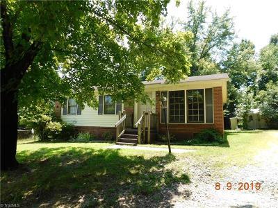 Greensboro Single Family Home For Sale: 2202 Jolson Court