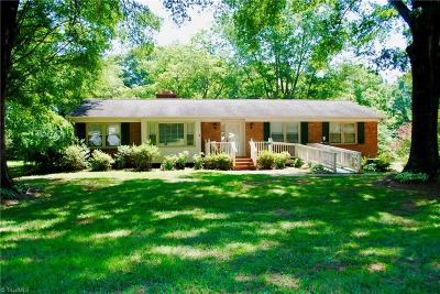 Pfafftown Single Family Home For Sale: 4735 Sherborne Drive
