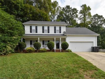 Guilford County Single Family Home For Sale: 4904 Corinthian Way