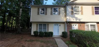Greensboro Condo/Townhouse For Sale: 4225 Baylor Street
