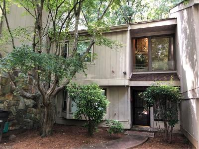Forsyth County Condo/Townhouse For Sale: 106 Lamplighter Circle