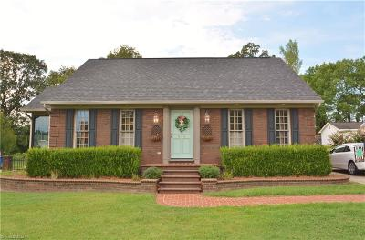 Alamance County Single Family Home For Sale: 818 Westwood Drive
