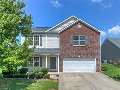 Guilford County Single Family Home For Sale: 4007 Pepperbush Drive