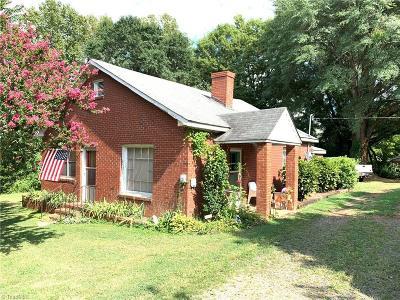 Mocksville Single Family Home For Sale: 723 Boger Street