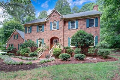 Oak Ridge Single Family Home For Sale: 5001 Millstaff Drive