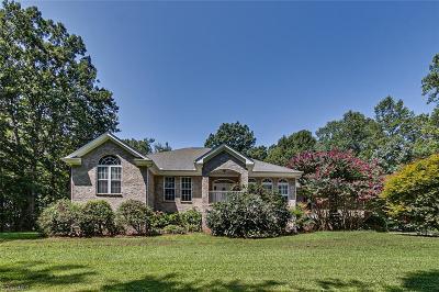 Randleman Single Family Home For Sale: 5823 Big Oak Way