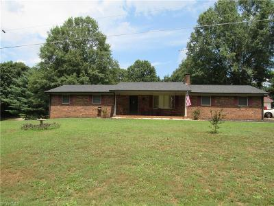 East Bend Single Family Home For Sale: 301 Valley Road