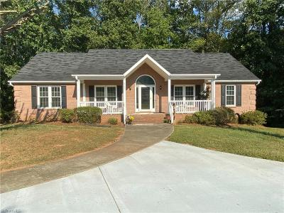 Belews Creek Single Family Home For Sale: 8731 Willow Springs Lane