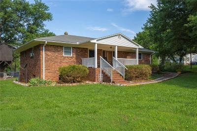Single Family Home For Sale: 138 Anderson Road