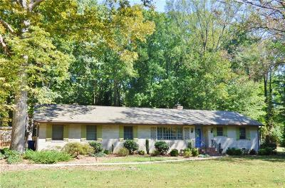 Jamestown Single Family Home For Sale: 604 Tangle Drive