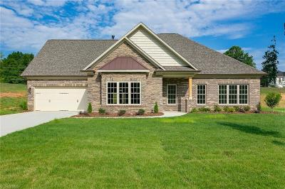 High Point Single Family Home For Sale: 3943 Wynne Brook Court