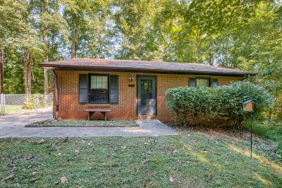 Clemmons Single Family Home Due Diligence Period: 1709 Chester Valley Court
