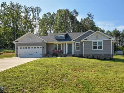 Stokesdale Single Family Home For Sale: 385 Twin Creeks Drive