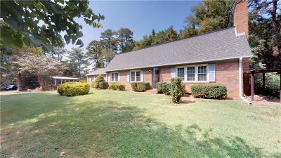 Winston Salem Single Family Home For Sale: 585 Peace Haven Road