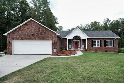 Reidsville Single Family Home For Sale: 104 Mallard Court
