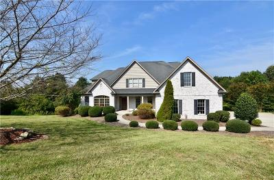 Clemmons Single Family Home For Sale: 1097 Salem Village Lane