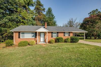 Winston Salem Single Family Home For Sale: 126 N Peace Haven Road