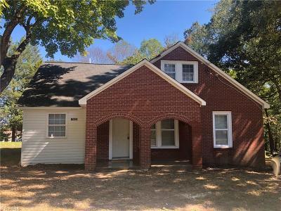 Winston Salem Single Family Home For Sale: 6069 Baux Mountain Road