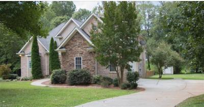 Greensboro Single Family Home For Sale: 3128 Brookforest Drive