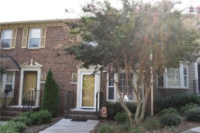 Guilford County Condo/Townhouse For Sale: 3727 Greenes Crossing