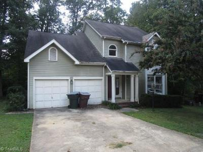 Greensboro Single Family Home For Sale: 7 Thames Court