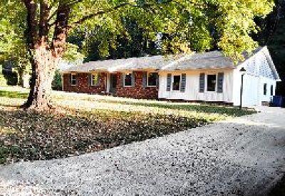 Winston Salem Single Family Home For Sale: 2840 Wesleyan Lane