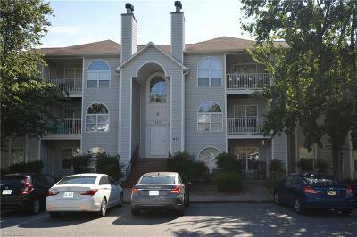 Winston Salem Condo/Townhouse For Sale: 824 Rivertree Lane