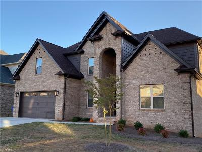 Lewisville Single Family Home For Sale: 5215 Hidden Stream Drive