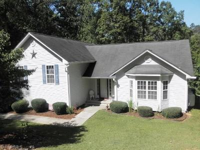 Rural Hall Single Family Home For Sale: 6660 Whispering Drive