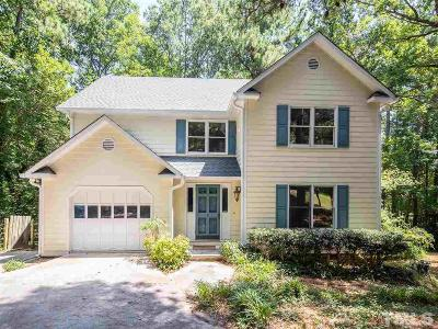 Woodcroft Single Family Home Contingent: 5 Hampshire Court