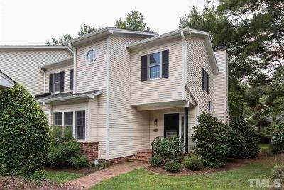 Pittsboro Townhouse Contingent: 399 Lyndfield Close