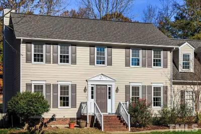 Cary Single Family Home For Sale: 108 Heathridge Lane
