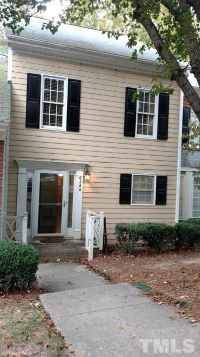 Raleigh Townhouse For Sale: 6744 Queen Annes Drive