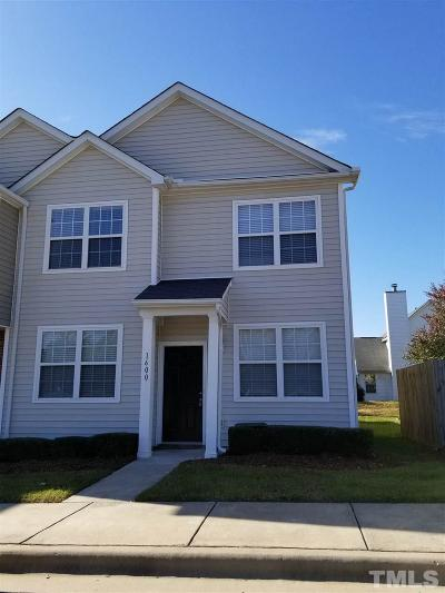 Raleigh, Cary Townhouse For Sale: 1600 Oxleymare Drive