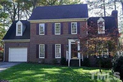 Cary Single Family Home For Sale: 106 Waxwood Lane