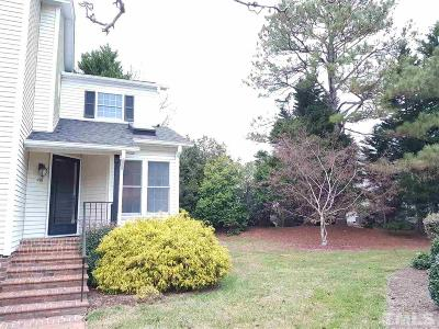 Pittsboro Townhouse Pending: 418 Wintercrest East Close