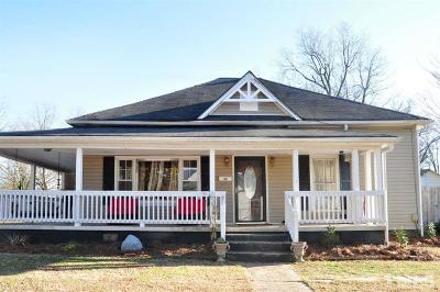 Chatham County Single Family Home For Sale: 501 W Fifth Street