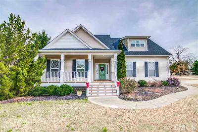 Fuquay Varina Single Family Home For Sale: 825 Nakina Drive