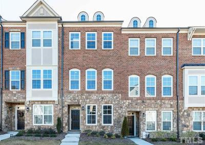 Raleigh Townhouse Pending: 3124 Rushworth Drive #59