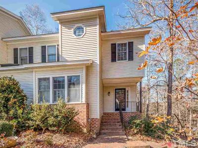 Chatham County Townhouse Contingent: 347 Weymouth Close