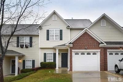 Lee County Townhouse Pending: 104 Compass Way