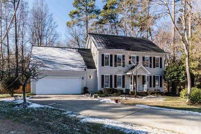 Knightdale Single Family Home Contingent: 1002 Acorn Court