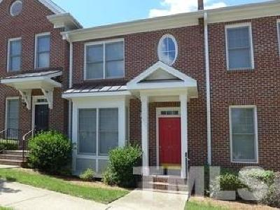 Chapel Hill Condo For Sale: 920 Edgewater Circle #920