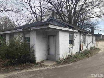 Single Family Home Pending: 512 Water Street