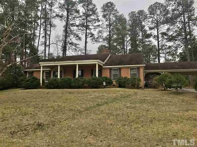 Johnston County Single Family Home For Sale: 211 W Meadowbrook Drive