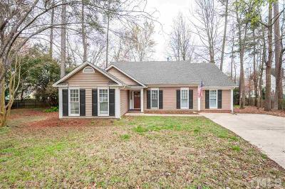 Knightdale Single Family Home Contingent: 1002 Stones Landing