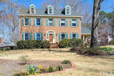 Cary Single Family Home For Sale: 139 Castlewood Drive
